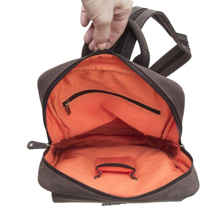 backpack-inside-web